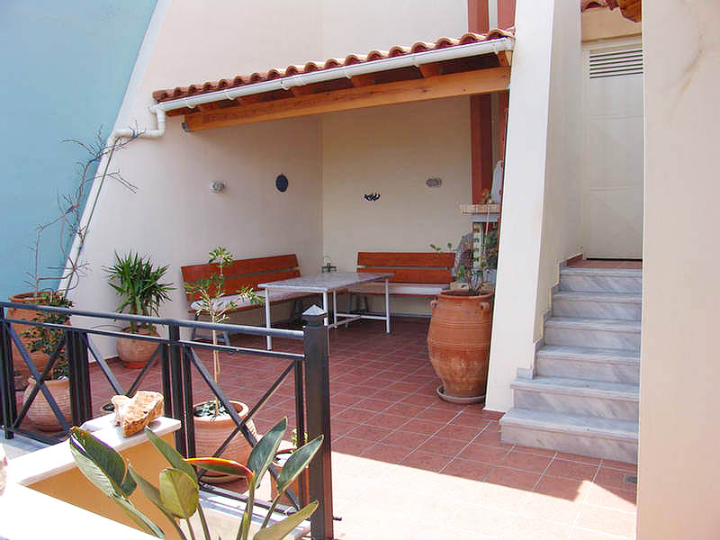 Rogdia villa for sale - photo of the house terrace - balkony BBQ area